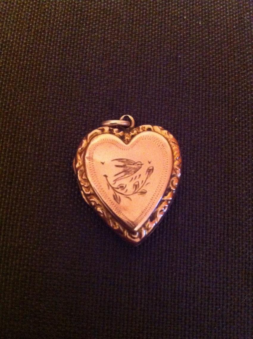 Heart 9ct Gold Pendant Antique