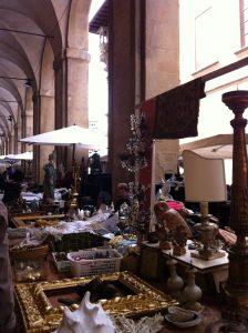 piazza-grande-stalls