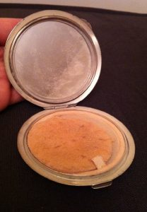 silver-compact-powder