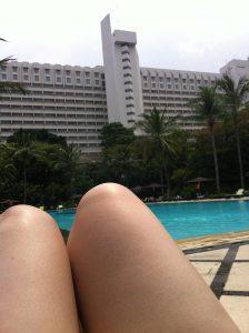swimming pool hotel borobudur