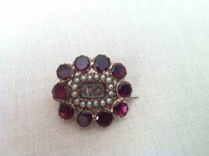 garnet pearls mourning brooch