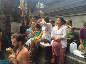 Balinese Hindu Pray