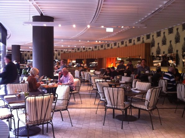 Sofitel Sydney breakfast room