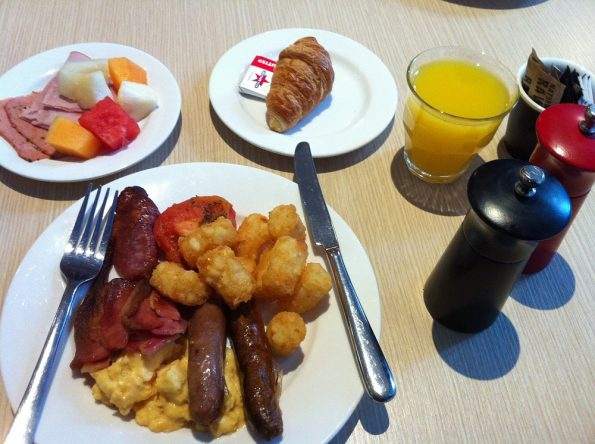 Travelodge Sydney Breakfast