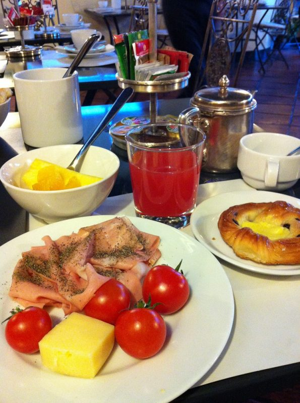 Breakfast at Hotel Fontana