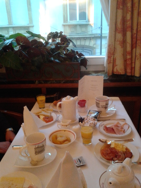 Grand Hotel Cravat Breakfast