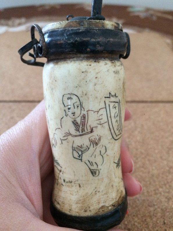 Bone Water Pipe with a Chinese man