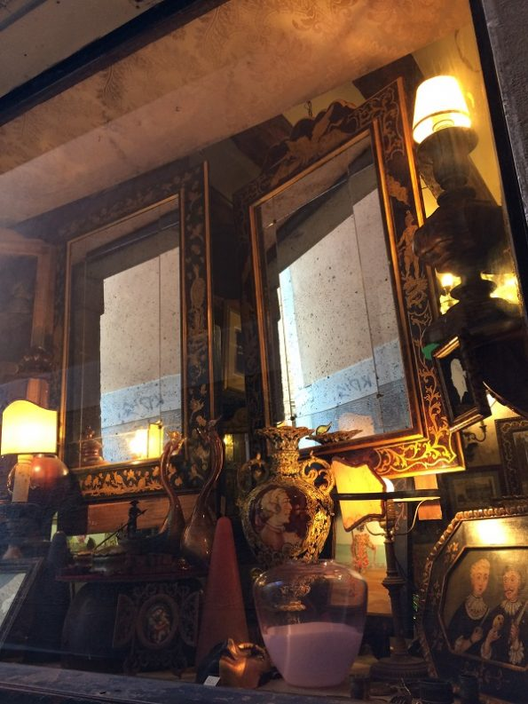 Antique shop in Venice
