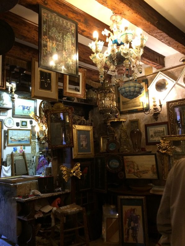 Nice antique shop in Venice