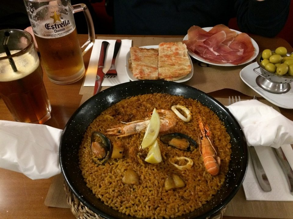 Tapas and seafood paella!
